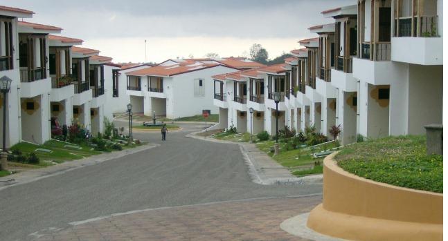 Diseño y construcción de condominio (3)