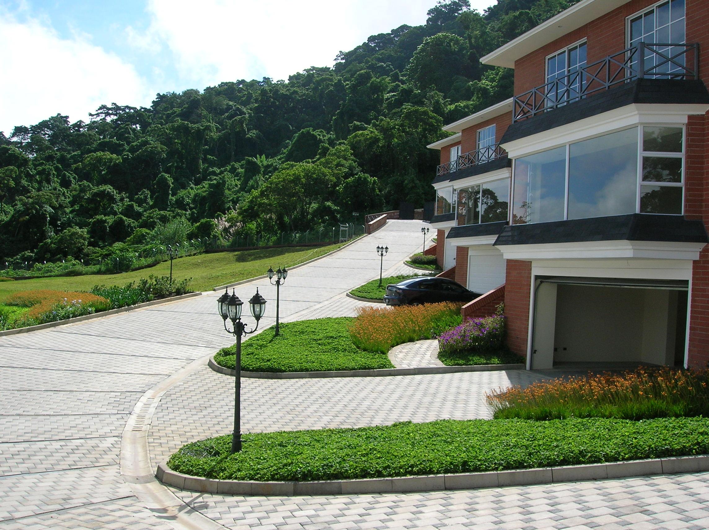 Diseño y construcción de condominio (4)